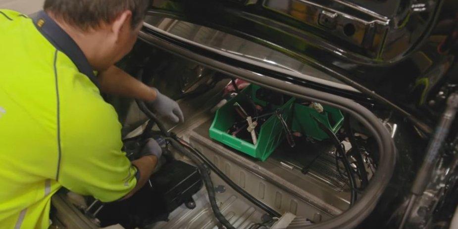 HSV Camaro Build Trunk