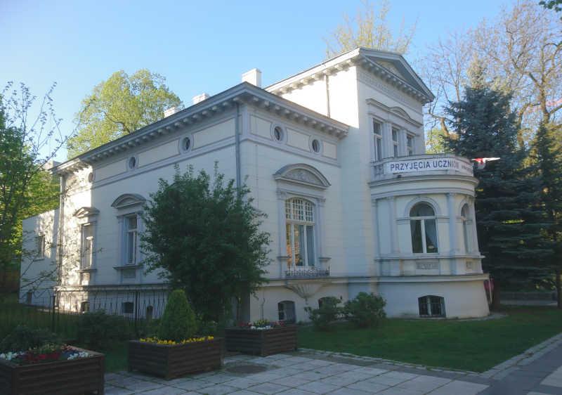 Państwowa Szkoła Muzyczna I i II stopnia w Zielonej Górze. Budynek przy Al. Niepodległości. Lech Borkowski