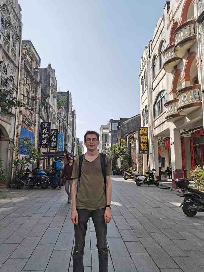 Student Tom in Beihai