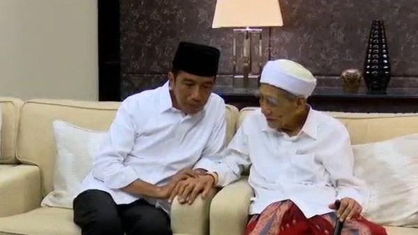 Presiden Jokowi: Atas Nama Seluruh Rakyat Indonesia, Berduka atas Wafatnya Mbah Moen