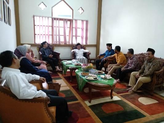 Silaturahim Pejabat UIN SGD Bandung Mewakili Jama'ah NU dengan Ketua Tanfidziyah PWNU Jabar