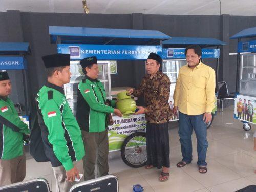 HPN Sumedang Distribusikan Gerobak Jualan