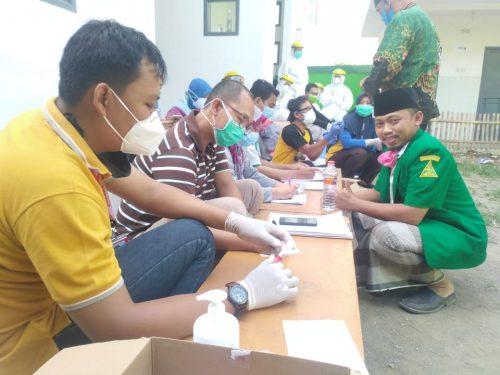 Sambut New Normal : Puluhan  Anggota GP. Ansor dan Banser  Indramayu Ikuti Swab Masal Dinas Kesehatan