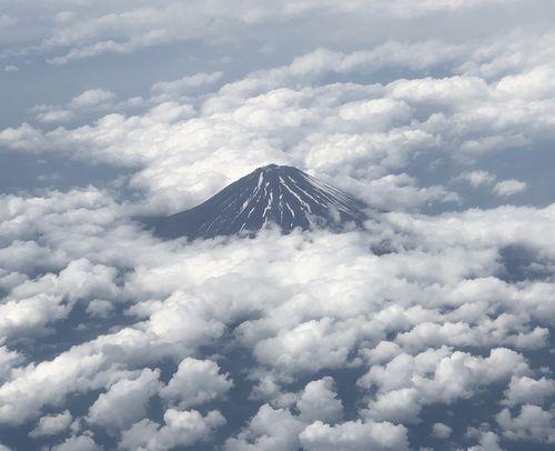 ANA羽田発那覇行き/窓からの富士山