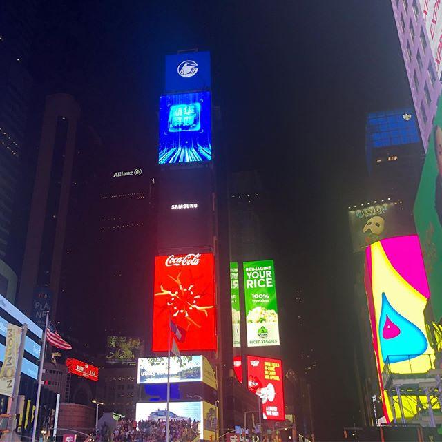 ニューヨーク・タイムズスクエア