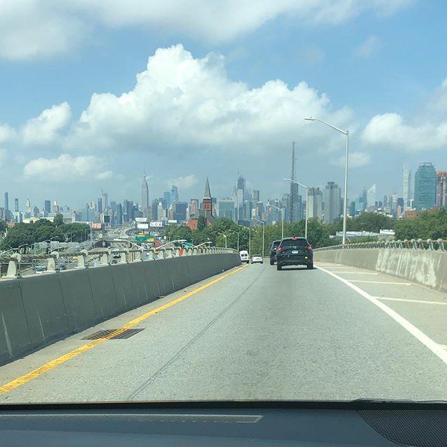 ニューヨークJFK空港からマンハッタンへ