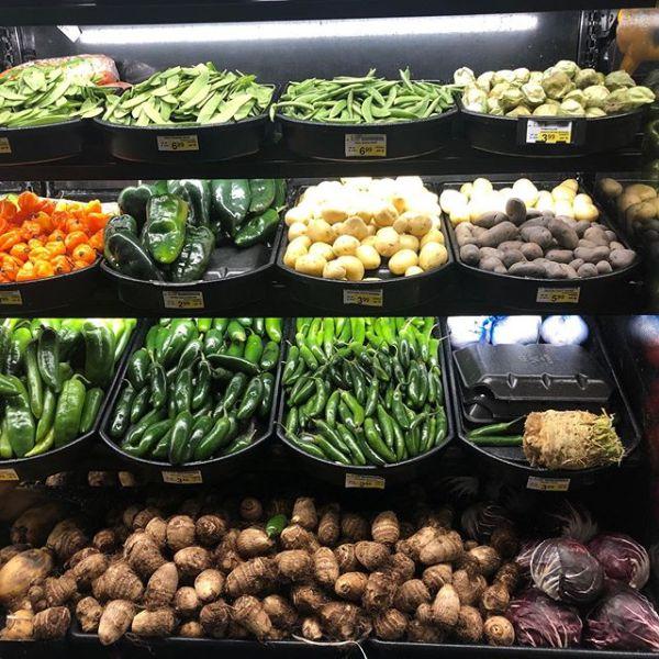 スーパーの野菜売り場もどことなくステキ