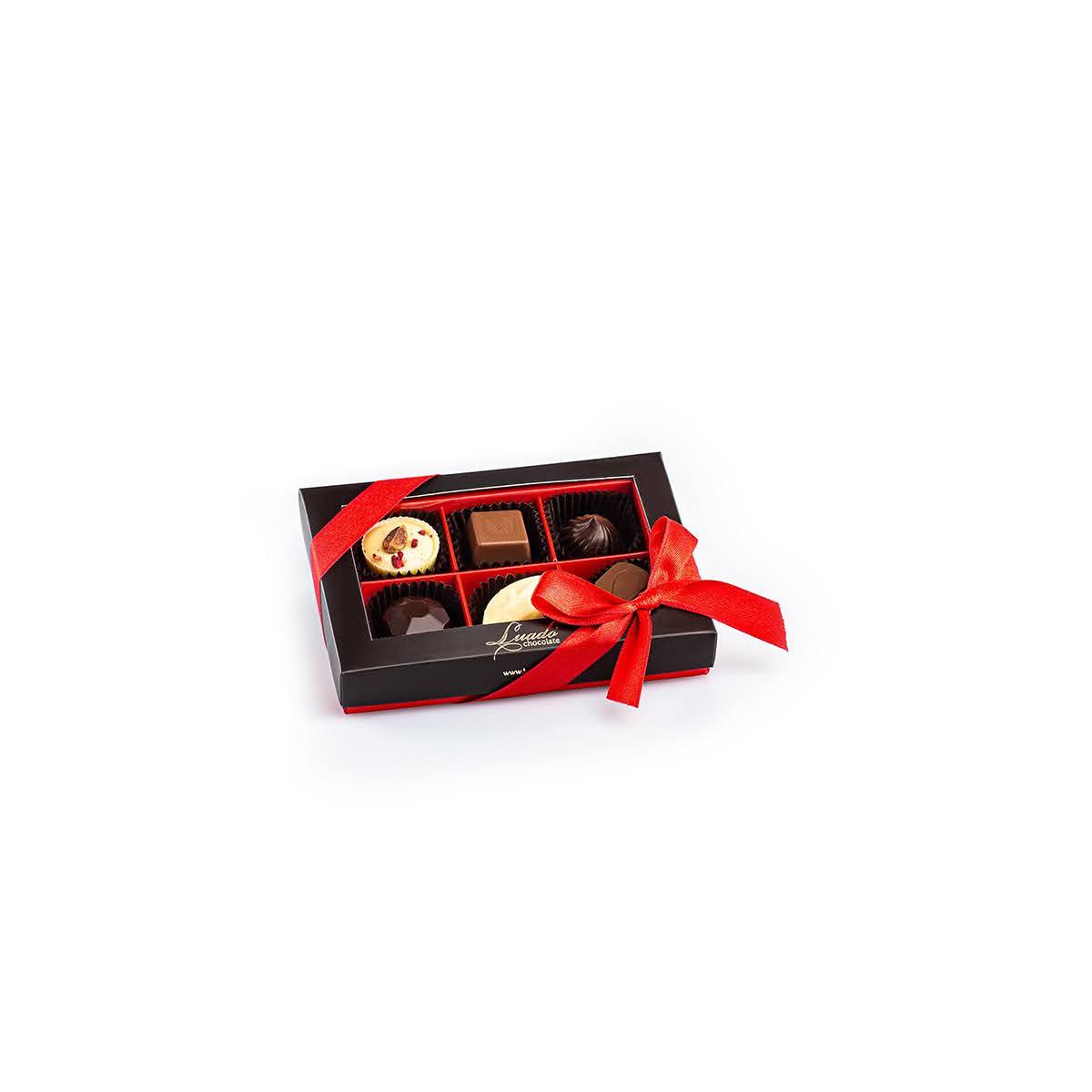 cutie roșie cu 6 praline asortate