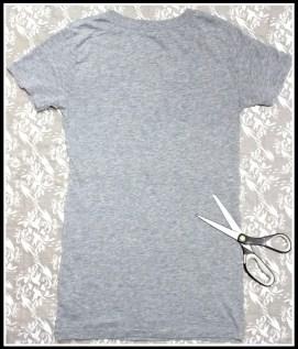 camiseta cinza 256x300 - FAÇA VOCÊ MESMA UMA TRANSFORMAÇÃO EM SUAS ROUPAS