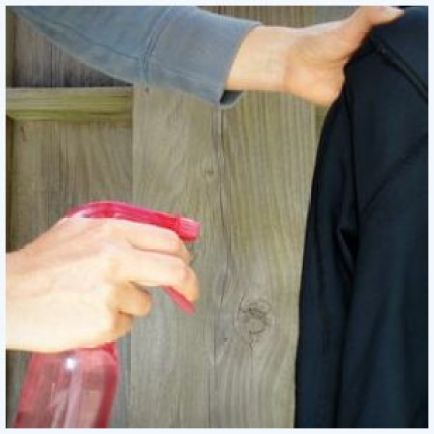 tirando odor das roupas - COMO USAR O VINAGRE E O BICARBONATO NA LIMPEZA DA CASA E DAS ROUPAS