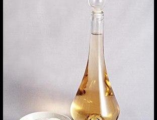 vinagre bicarbonato - COMO USAR O VINAGRE E O BICARBONATO NA LIMPEZA DA CASA E DAS ROUPAS