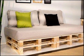 detalhe do sofa produzido com pallet cru e1571789165204 - COMO DECORAR SUA CASA GASTANDO POUCO COM PALLETS E CAIXOTES