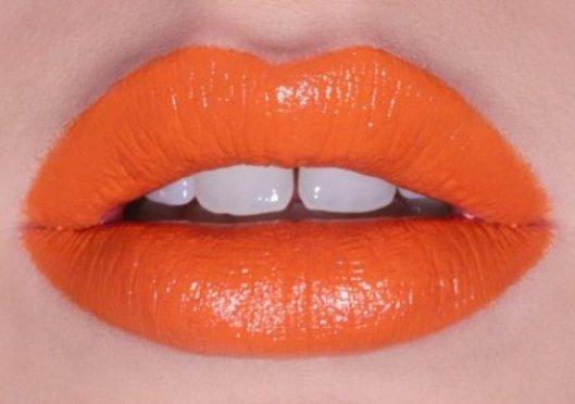 tonalidade laranja gloss - TENDÊNCIAS DE MAQUIAGEM PARA 2018