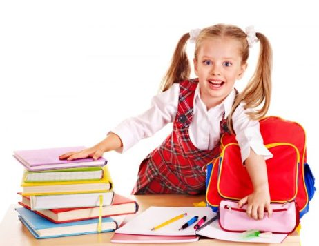 organizar material escolar e1611620301766 - Voltas às aulas: Dicas de como voltar para a rotina escolar