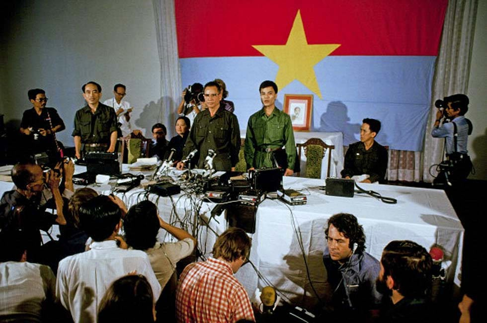 https://i1.wp.com/luatkhoa.org/wp-content/uploads/2017/04/The-Fall-of-Saigon-1975-29.jpg