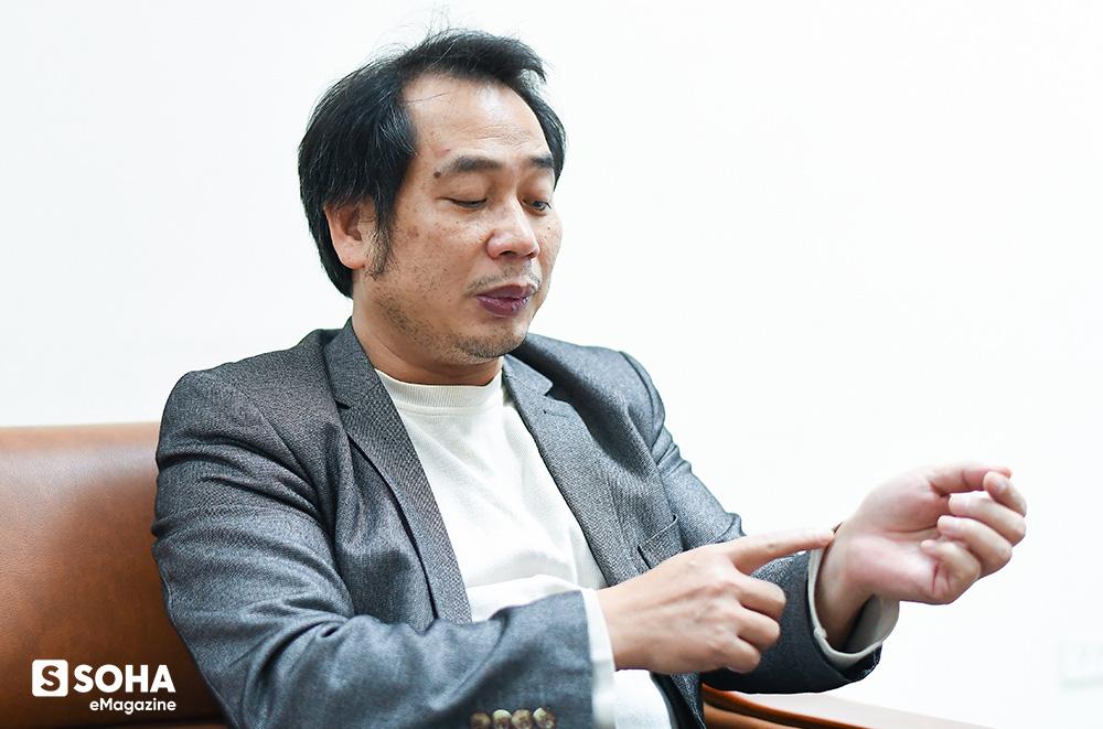 """Bác sĩ Nguyễn Trung Cấp, Bệnh viện Nhiệt đới Trung ương: """"Phải nói thật, chúng tôi quá mệt mỏi, chúng tôi quá kiệt sức vì fake news"""". Ảnh: Soha."""
