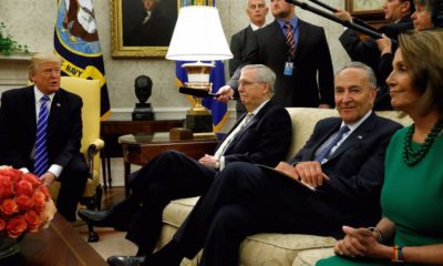 Tổng thống Mỹ Donald Trump và các lãnh đạo lưỡng đảng ở Quốc hội Mỹ. Ảnh: Reuters.