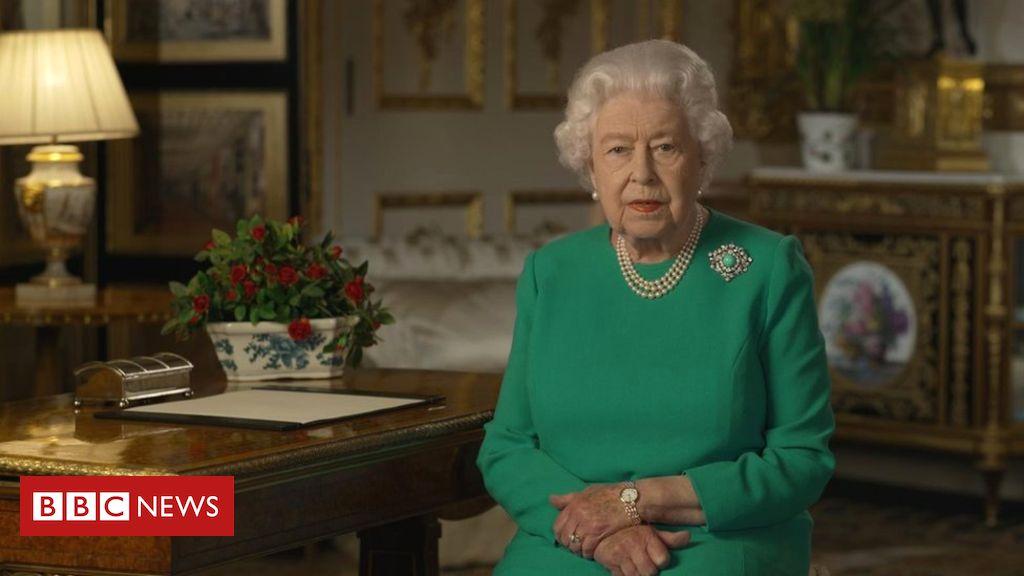 Nữ hoàng Anh Elizabeth phát biểu trên truyền hình tối Chủ nhật, 5/4/2020. Ảnh: BCC.