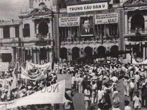 Quang cảnh ngày công bố kết quả trưng cầu dân ý ở Sài Gòn, 26/10/1955. Ảnh: Chưa rõ nguồn.