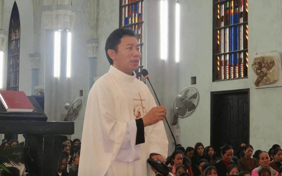 Linh mục Nguyễn Đình Thục. Ảnh: Facebook Nguyễn Đình Thục.