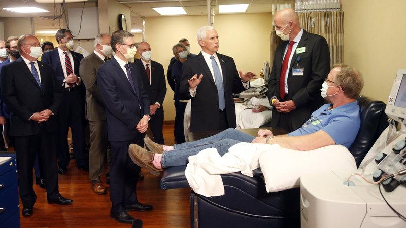 Phó Tổng thống Mỹ Mike Pence ngày 28/4/2020 tại phòng khám Mayo Clinic. Ảnh: AP.