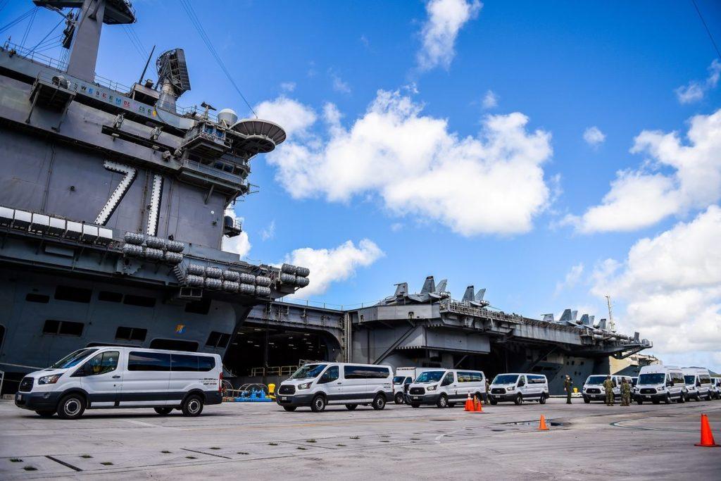 Hàng không mẫu hạm USS Theodore Roosevelt ở cảng Guam. Ảnh: Reuters.