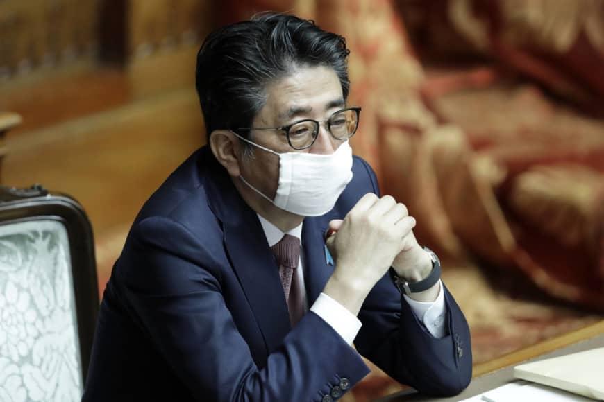Thủ tướng Nhật Shinzo Abe trong phiên họp Thượng viện ngày 3/4/2020. ẢNh: Bloomberg.