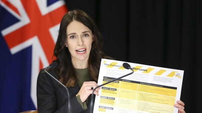 Thủ tướng New Zealand Jacinda Ardern trong một cuộc họp báo về COVID-19 ngày 21/3/2020 tại Wellington. Ảnh: Getty Images.