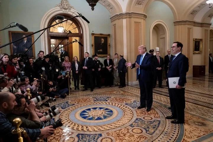 Tổng thống Donald Trump trong một cuộc họp báo. Ảnh: AP.