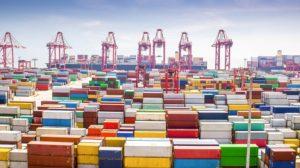 Một cảng nhập khẩu ở Thượng Hải, Trung Quốc. Ảnh: joc.com.