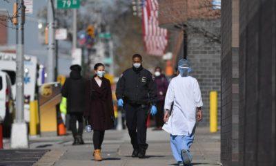 Thành phố New York vẫn đang chống chọi với đại dịch COVID-19 bằng lệnh phong tỏa. Ảnh: AFP.