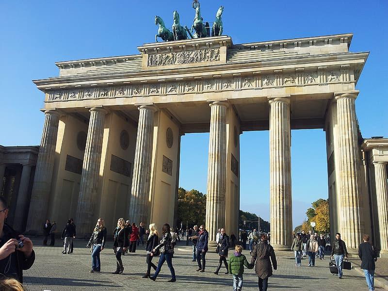 Cổng thành Brandenburg ở Berlin, Đức. Ảnh: pikrepo.com.
