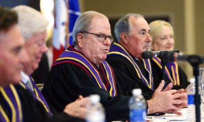 Chánh thẩm Ronald Castille của Tối cao Pháp viện bang Pennsylvania (giữa). Ảnh: liber.post-gazette.com.