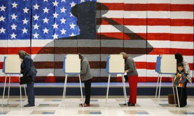 Cử tri Mỹ đi bầu ở Richmond, Virginia, ngày 8/11/2016. Ảnh: AP.