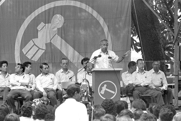 Ông J.B Jeyaretnam trong một cuộc mít-tinh của Đảng Công nhân ngày 25/8/1988. Ảnh: Bộ Thông tin và Nghệ thuật Singapore.