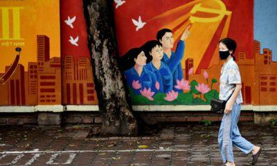 Hà Nội mùa dịch, ngày 8/4/2020. Ảnh: MANAN VATSYAYANA / AFP.