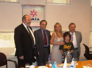 phoca thumb l 04-02-2011.-con-el-presidente-de-la-amia-guillermo-borger-y-otros-miembros-de-la-co
