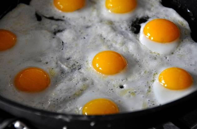 Секреты идеальной яичницы-глазуньи