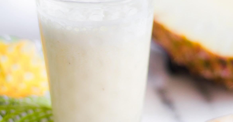 Suco de Abacaxi, iogurte e gengibre
