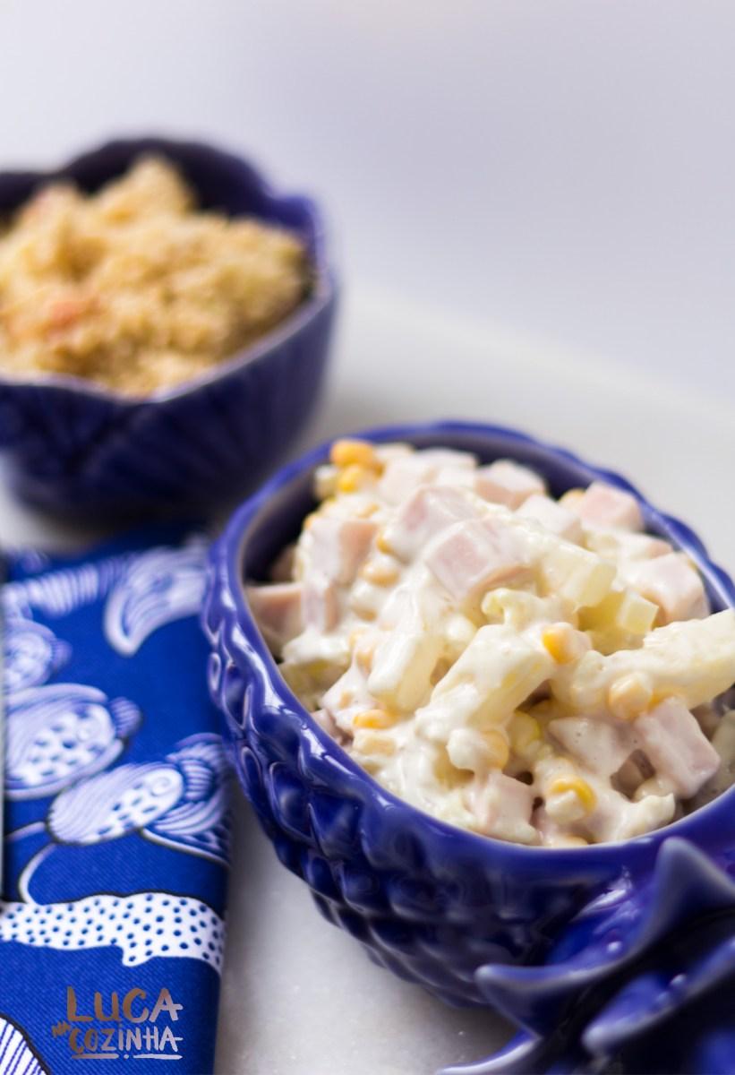 Salada de Peito de Peru com Milho e Abacaxi