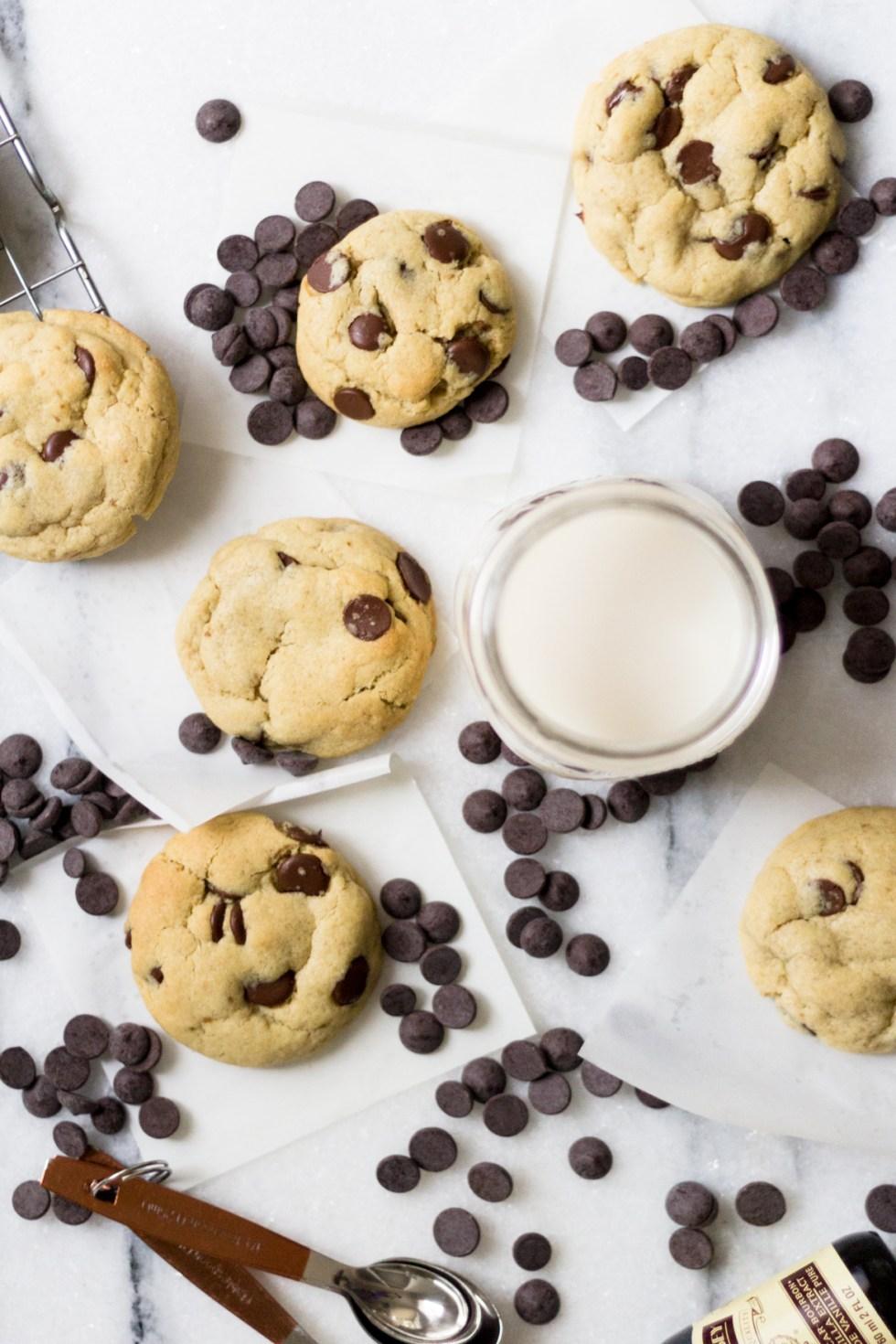 Cookie com gotas de chocolate destaque