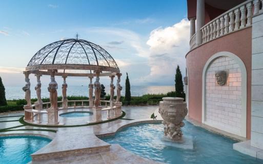 Roman-Swimming-Pool-Statues-Port-Ritchey-web-4032