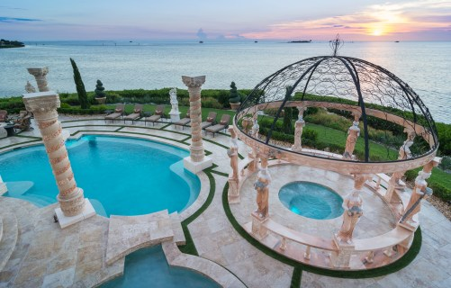 Roman-Swimming-Pool-Statues-Port-Ritchey-web-4039