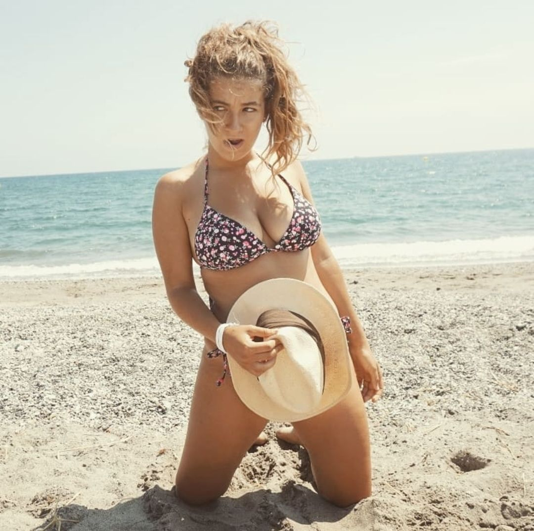Carlota Boza al desnudo | Tremendo bikini