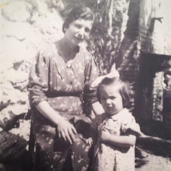 Savina e Maria Teresa, Scandriglia, 1939, Fondo Famiglia De Gregori - Ventura