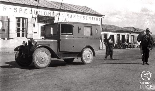 Fig. 15. Archivio Luce, Reparto Attualità, servizio fotografico n. 313 del 10 marzo 1928, Albania - Vedute e cinemambulante Luce