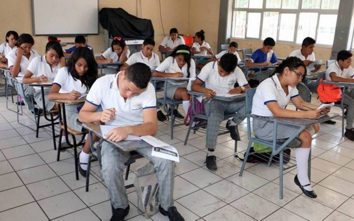 Aprobarán todos los alumnos el ciclo escolar; crearán método de evaluación