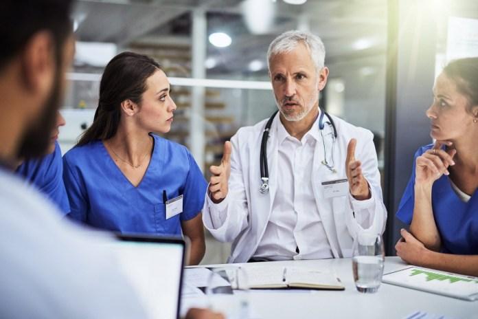 Exigen médicos al G20 mayor inversión en salud
