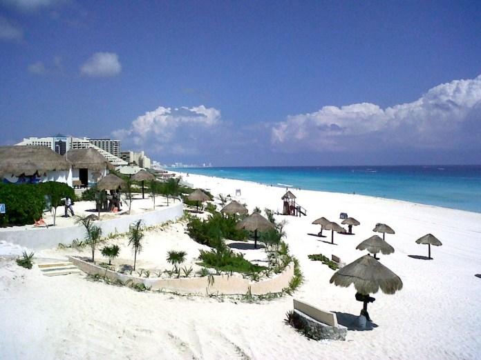 se unieron para frenar el ecocidio por hotel Grand Solaris en Playa Delfines.