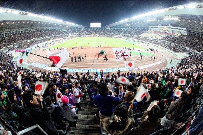Regresa el público a estadios de Japón